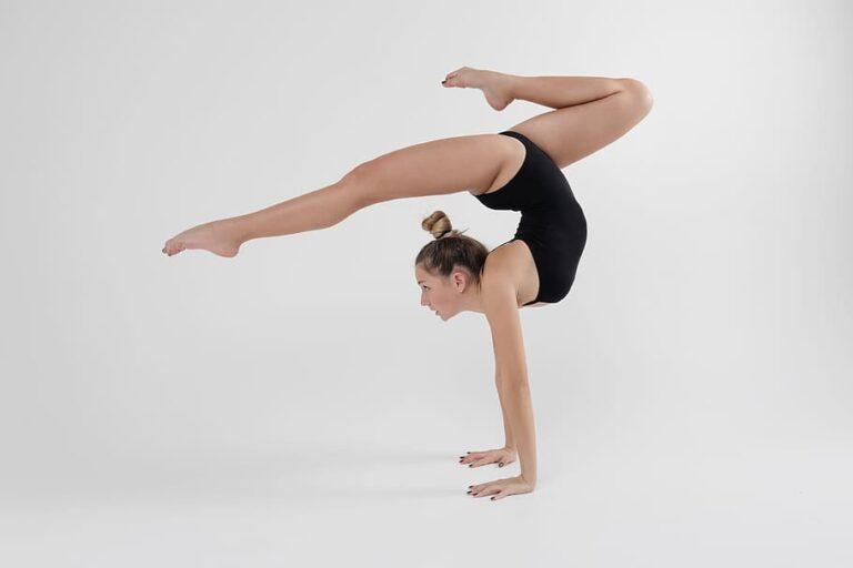 sports-gymnastics-fitness-woman-preparation-man